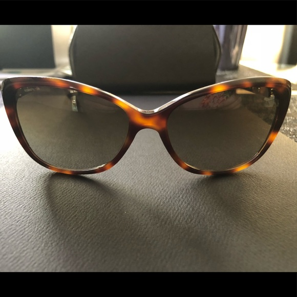 44a6b3dccb437 Versace Accessories - Versace sunglasses